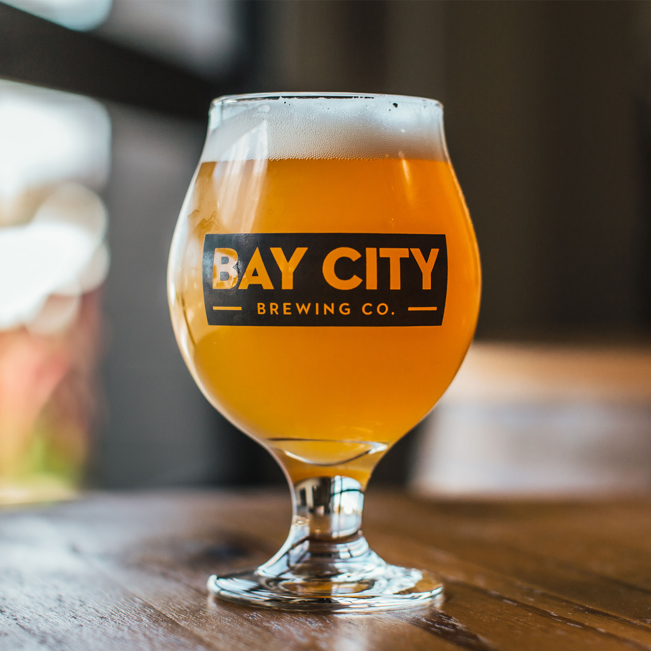 https://baycitybrewingco.com/wp-content/uploads/2019/03/bay_city_jucci_gang_glass_2x.jpg