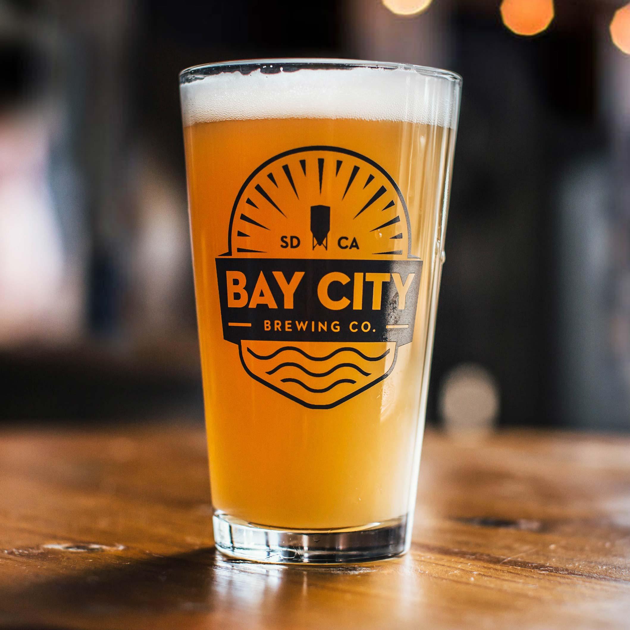 https://baycitybrewingco.com/wp-content/uploads/2020/04/bay_city_murky_machado_glass_2x.jpg