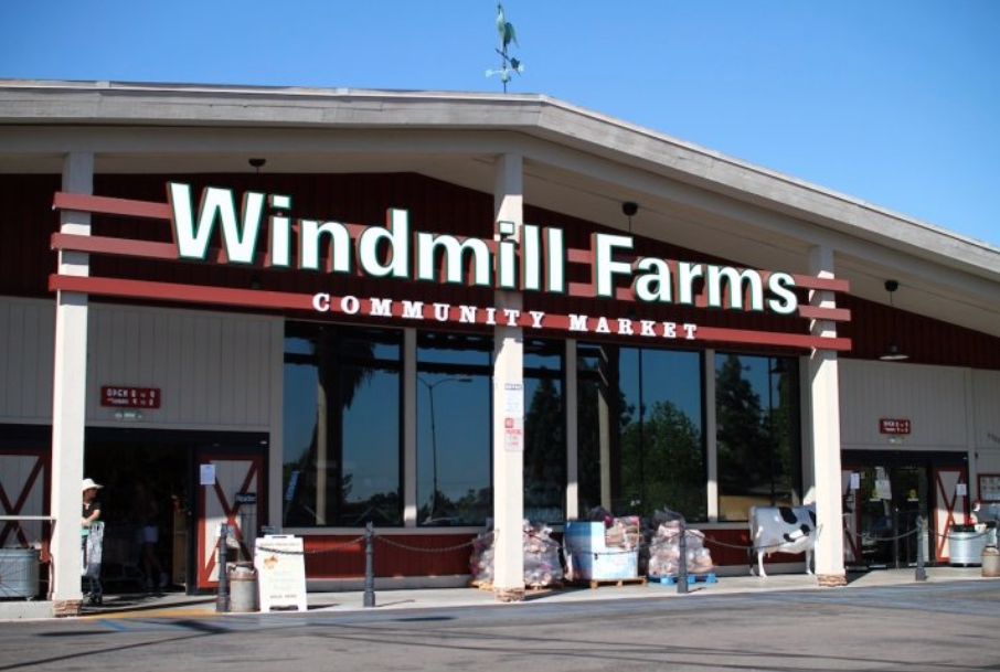 https://baycitybrewingco.com/wp-content/uploads/2020/10/Windmill-Farms.png